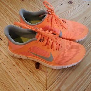 Nike Free 4.0 V3 Orange and grey size 8.5